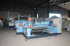 spindleless-veneer-peeling-machine