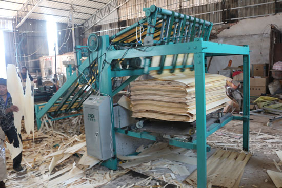 veneer stacking machine